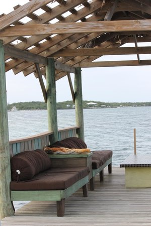 Lubbers' Landing: Dock couch