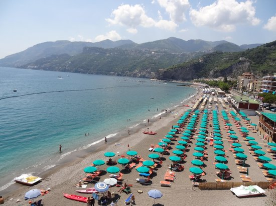 Day Tour in Italy : Beach