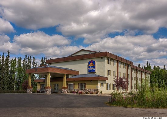 BEST WESTERN PLUS Pioneer Park Inn: Hotel Exterior Daytime