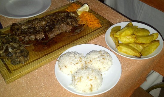 Ali Baba restaurant : Steak for two with mushrooms, tasted amazing