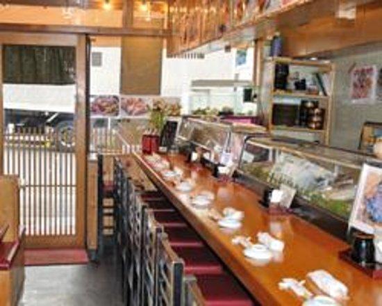 Tsukiji Kagura Sushi: カウンター