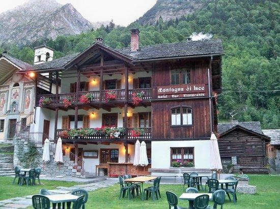Hotel Montagna di Luce: Esterno hotel rifugio
