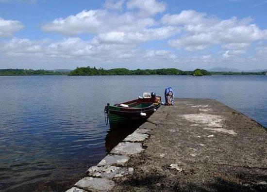Innisfallen Island: the pier with view towards Killarney