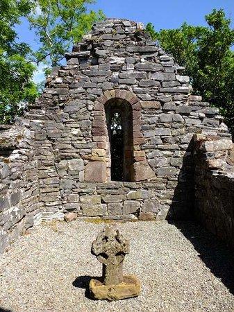 Innisfallen Island: the Chapel ruin