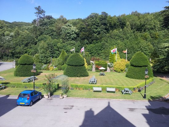 Maenan Abbey Hotel: View from room 1