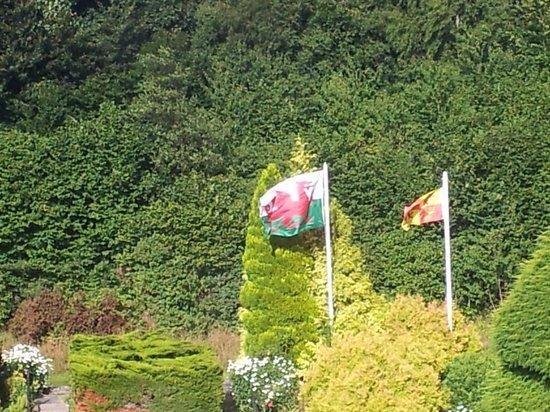 Maenan Abbey Hotel: Garden
