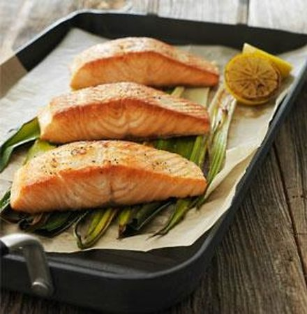 J. Gilbert's Wood-Fired Steaks & Seafood : Maple Plank Roasted Salmon