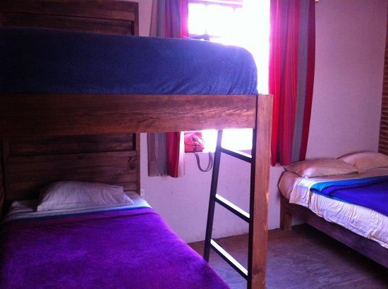 Puerta Vieja Hostel: triple room