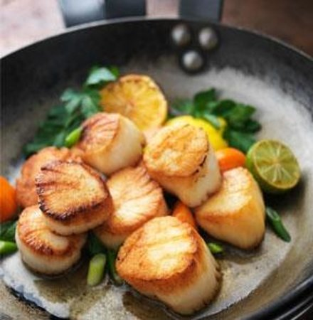 J. Gilbert's Wood-Fired Steaks & Seafood: Seared Georges Bank Sea Scallops