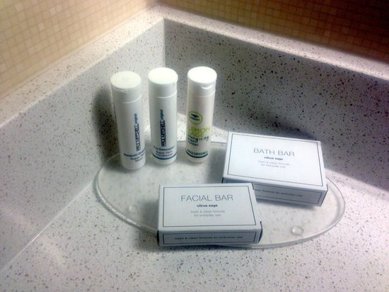 SpringHill Suites Provo: Complimentary Paul Mitchell!