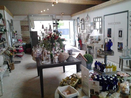 La Roseraie de Provins: la boutique