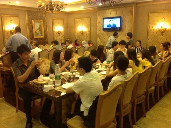 Sultan Restaurant Guangzhou: With my Chinese friends in Sultan Restaurant GZ