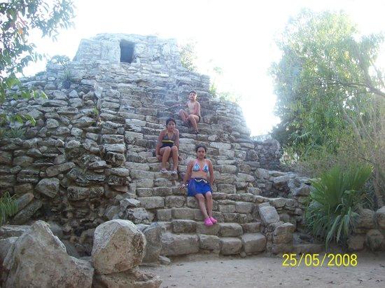 Wyndham Garden Playa Del Carmen: Otra piramide en Xcaret