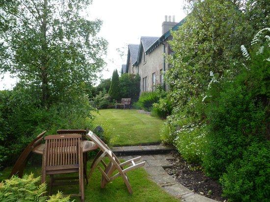 Hendersyde Farm Cottages: East Cottage Garden