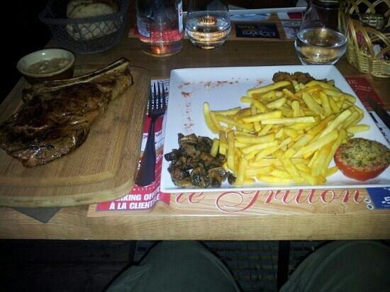 Le Grillon: the beef rib €25