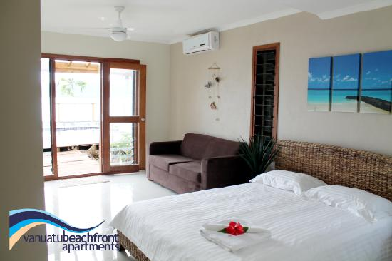 Vanuatu Beachfront Apartments: Beachfront Studio Apartment (sleeps 2 adults and 2 children when using the sofa bed aswell)