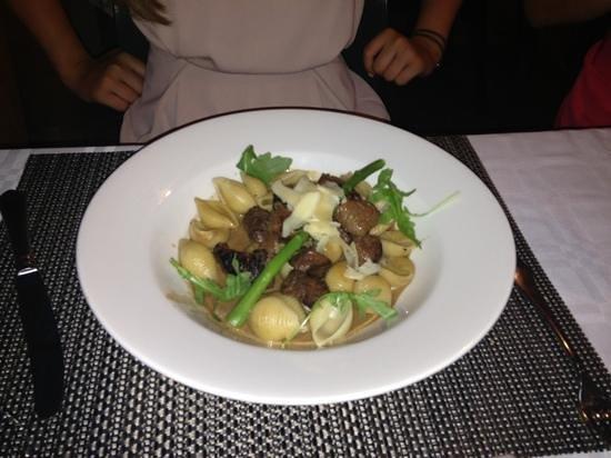 Fuzios Restaurant : beef pasta