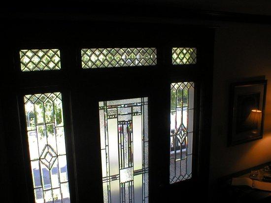 The 1828 Trail Inn: Front door