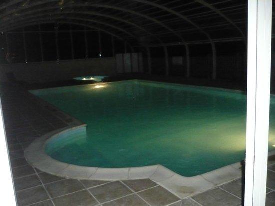 Le Club Vert Perigord : piscine nocturne