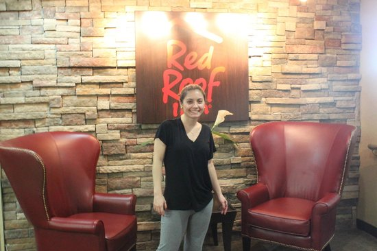 Red Roof Inn Queens: Lounge na entrada do Hotel