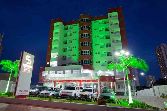Serras Hotel: Excelente localização, apenas 05 minutos do centro da cidade, próximo a shopping centers, superm