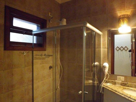 Hotel Pira Miuna: Banheiro