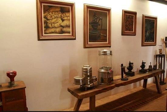 Tres Pontas, MG: Belo acervo do museu do café!