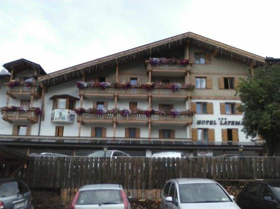 Hotel Latemar Spitze : Vista esterna