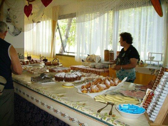 Hotel Club Misano : a colazione