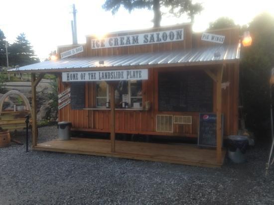 Boots and Birdies Miniature Golf: Ice Cream Saloon.