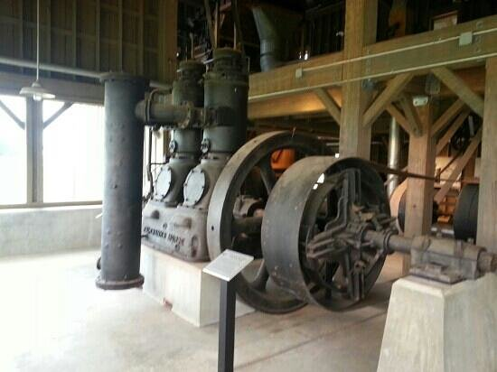 Plantation Agriculture Museum: a large cotton gin