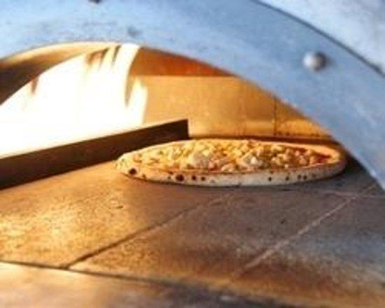 Pizzo Rante Spacca Napoli: 丁寧に窯で焼いております