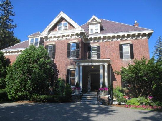 The Willard Street Inn: Main entrance