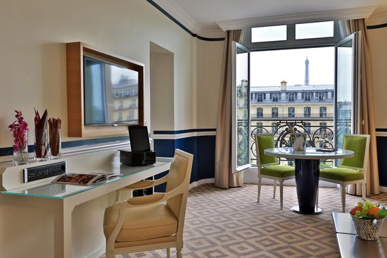Fraser Suites Le Claridge Champs-Elysees : Work Desk - One Bedroom Deluxe Suite