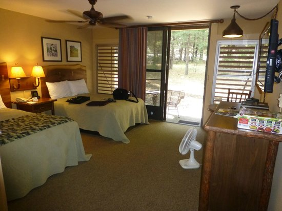 Yosemite Valley Lodge: Better than expected room at the Lodge