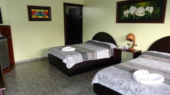 HOTEL LA PRADERA: Habitación doble