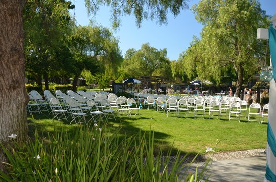Four Points by Sheraton Pleasanton : Wedding ceremony seating.