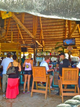 Gilbert's Resort : tiki bar