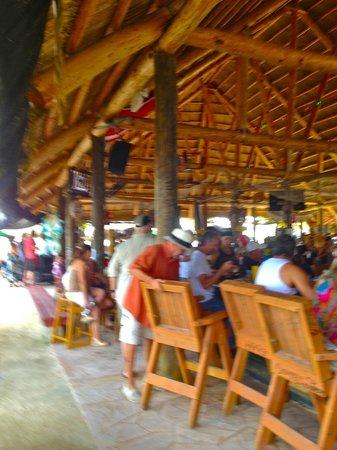 Gilbert's Resort: large bar