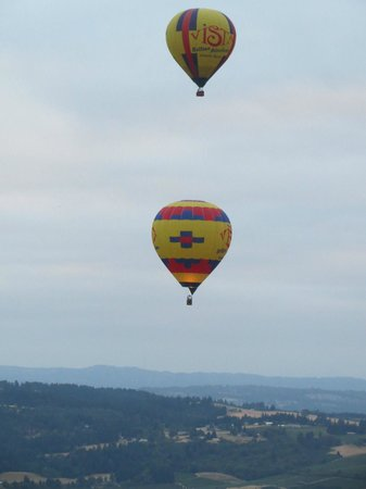 Vista Balloon Adventures: 5 Balloons all offered wonderful views of the area