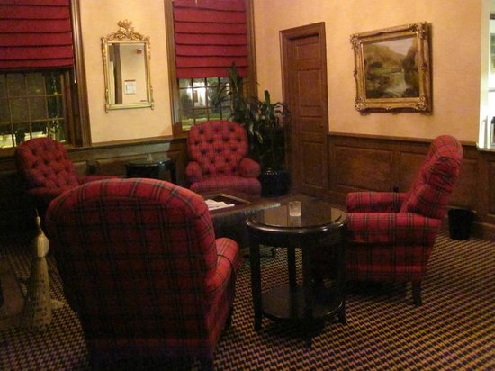 Exeter Inn : Seating area in Public Rooms