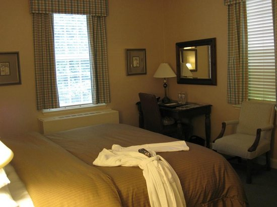 Exeter Inn: My Room