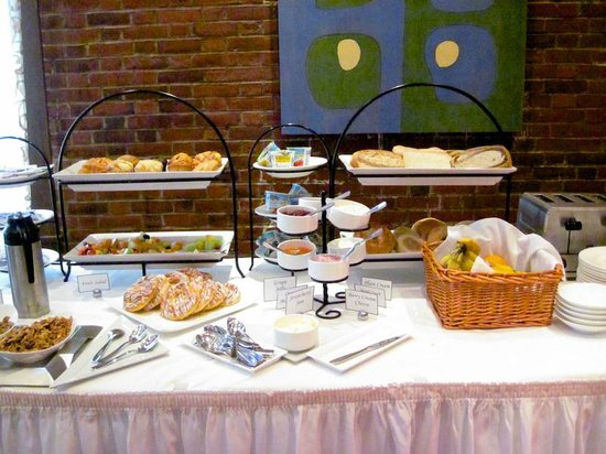 Exeter Inn: Continental Breakfast Buffet