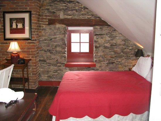 The Brafferton Inn Bed and Breakfast: The Loft