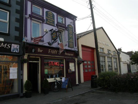 Fahy's Bar and Restaurant: Fahy's-next to the Fire Station