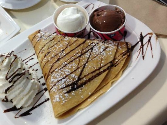 Crepe & Gelato Boulevard: Nutella, Banana and chocolate crepe!  TO DIE FOR!!
