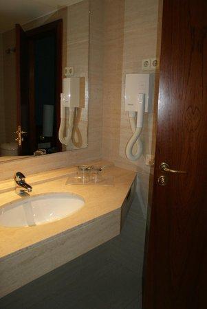 โรงแรมกุยเลอโมเทล: Casa de banho