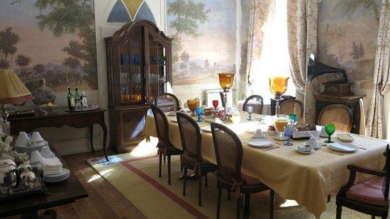 Casa das Campainhas: sala de café da manhã