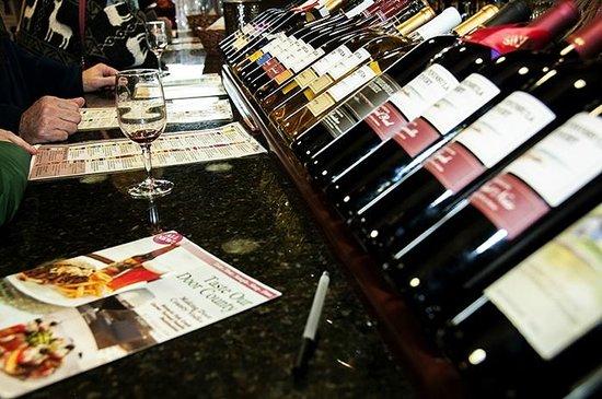 Door Peninsula Winery: Great Wine tasting bar