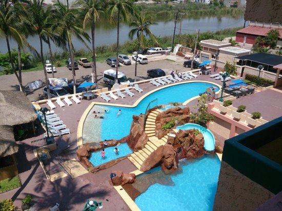 Hotel Don Pelayo Pacific Beach: La piscina
